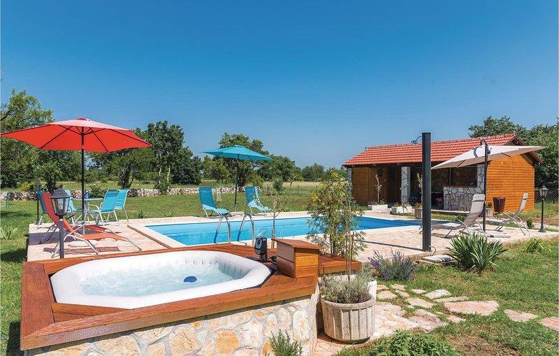 3 Zimmer Unterkunft in Siritovci, holiday rental in Oklaj