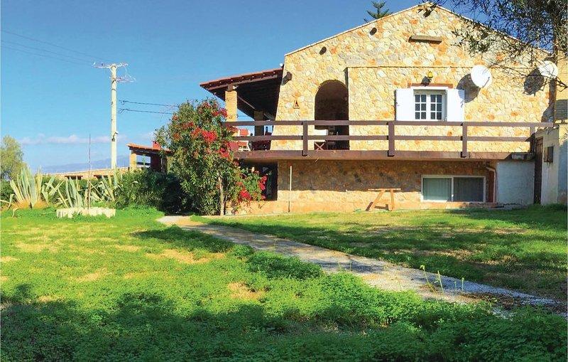 4 Zimmer Unterkunft in Alepochori, holiday rental in Porto Germeno