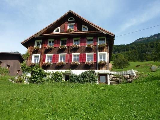 Ferienwohnung Vitznau für 4 Personen mit 2 Schlafzimmern - Bauernhaus, vacation rental in Gersau