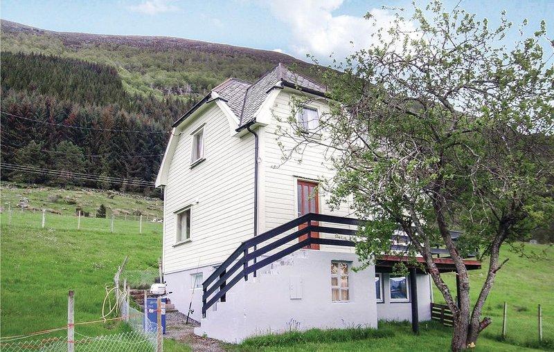 4 Zimmer Unterkunft in Fiskå, location de vacances à Møre og Romsdal