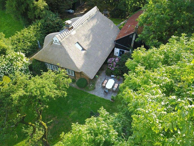 Ferienhaus Jade für 1 - 10 Personen - Feriendomizil der Luxusklasse, holiday rental in Schweiburg