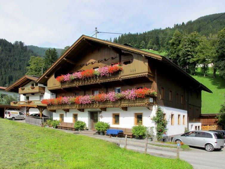 Apartment Ferienwohnung Schusterhäusl  in Schwendau, Zillertal - 5 persons, 2 b, holiday rental in Hippach