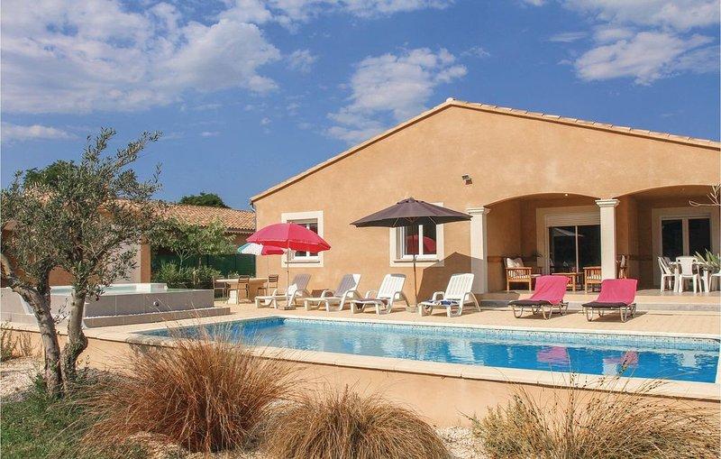 4 Zimmer Unterkunft in St Paul Trois Chateaux, location de vacances à Chabrières