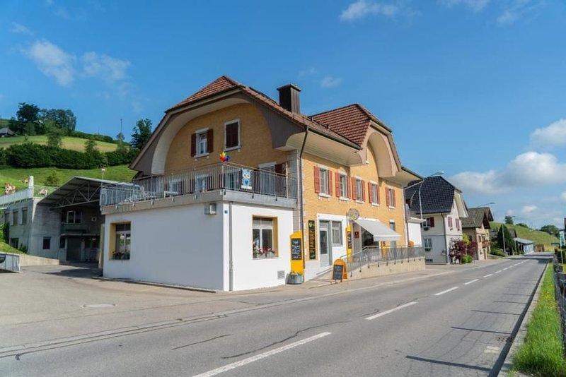 Ferienwohnung Luthern für 2 - 4 Personen mit 1 Schlafzimmer - Ferienwohnung, vacation rental in Wangenried