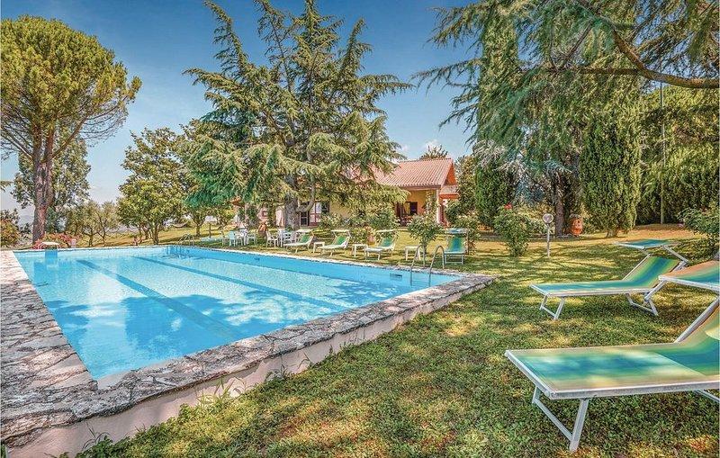 4 Zimmer Unterkunft in Montopoli di Sabina RI, alquiler vacacional en Castelnuovo di Farfa