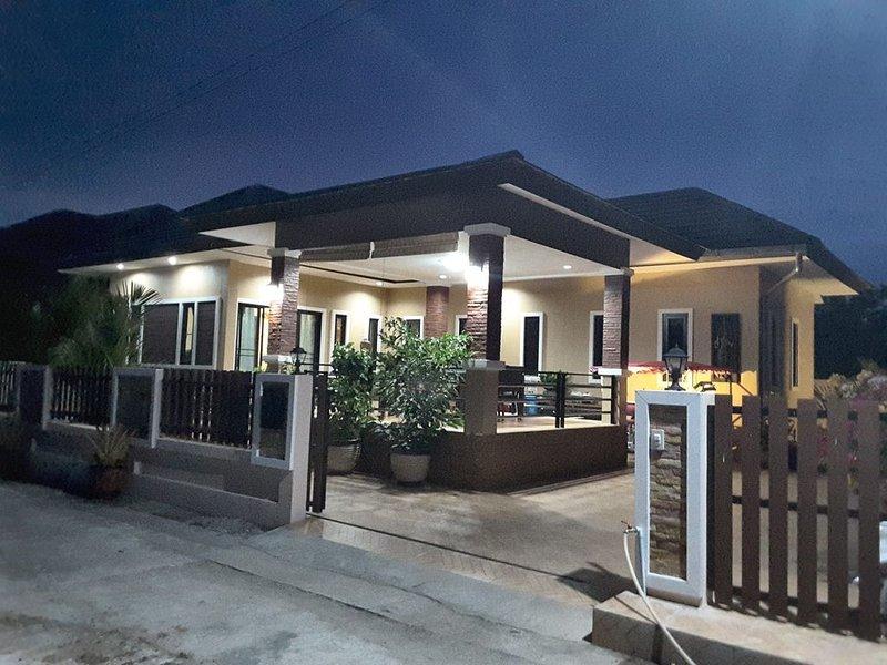 Superbe Villa 2 Chambres a la décoration soignée, location de vacances à Ko Samet