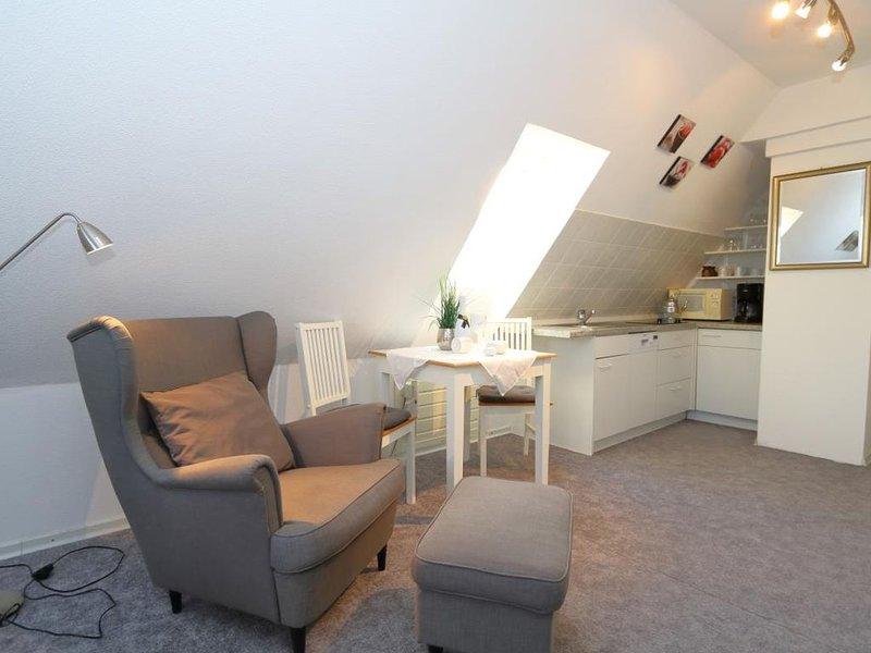 Watthaus 5 - kuschelige Dachwohnung für 2 Personen, location de vacances à Hornum