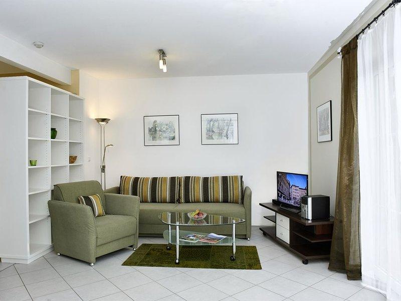 FeWo Schlosssee, 62 qm Erdgeschoss, 1 separates Schlafzimmer – semesterbostad i Prien am Chiemsee