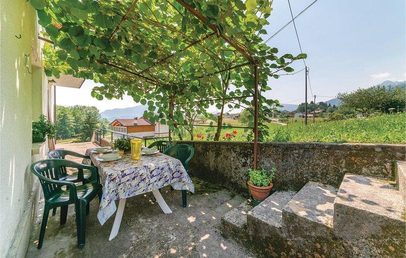 2 Zimmer Unterkunft in Cesiomaggiore (BL), holiday rental in Santa Giustina