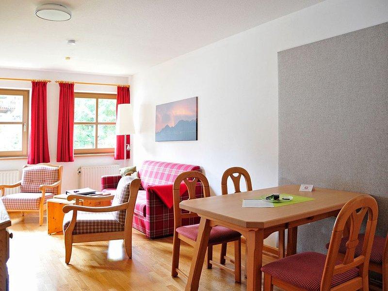 Ferienwohnung Kranzhorn, 2-3 Personen, 1 sep. Schlafzimmer, 1.OG, Südbalkon, vakantiewoning in Fischbachau