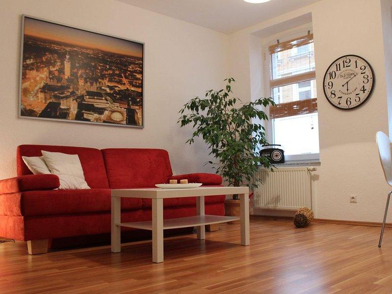 Gemütliche FeWo mit Balkon, WIFI & Leihfahrräder, vacation rental in Leipzig