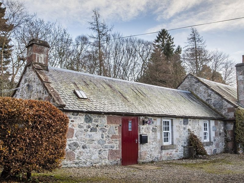 Rottal Bothy, KIRRIEMUIR, vacation rental in Murthill