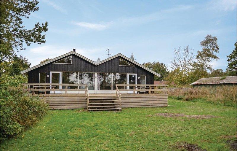 5 Zimmer Unterkunft in Ebeltoft, casa vacanza a Ebeltoft