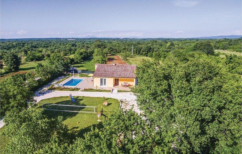 2 Zimmer Unterkunft in Butkovici, holiday rental in Butkovici