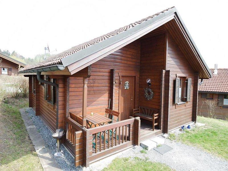 Ferienhaus Jägerpark Viechtach 3, Hallenbad, WLan und Energiekosten inklusive, vacation rental in Bogen