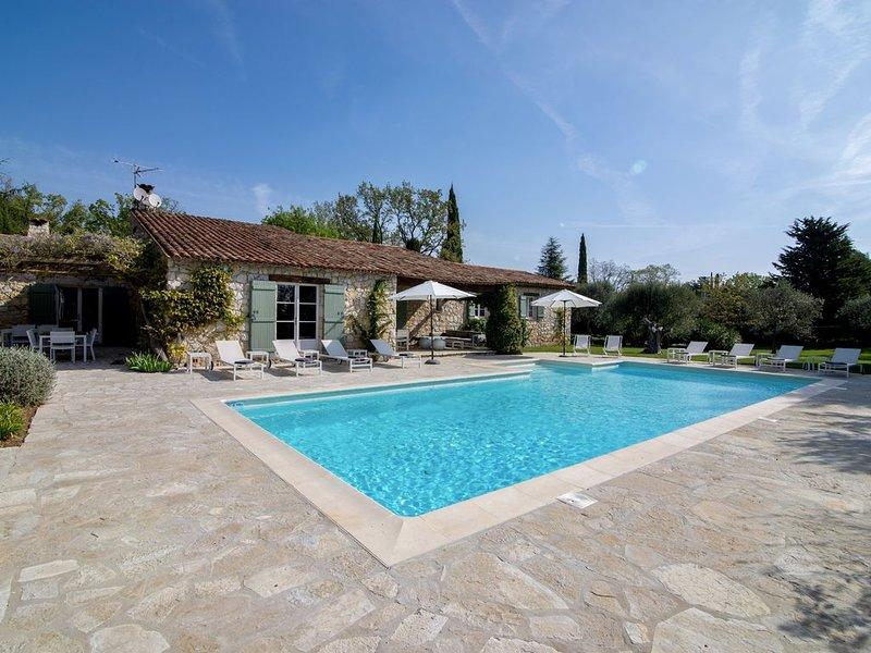 Villa de charme, authenticité et quiétude - Piscine sécurisée, Proche du village, location de vacances à La Bastide
