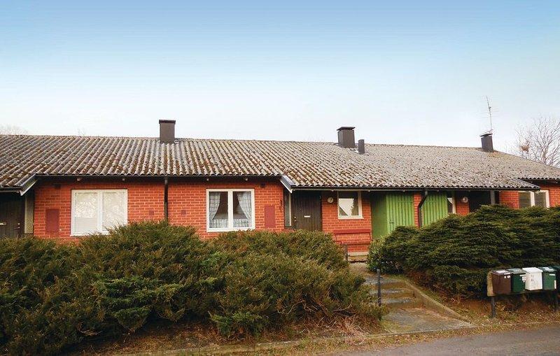 1 Zimmer Unterkunft in Kivik, holiday rental in Lovestad