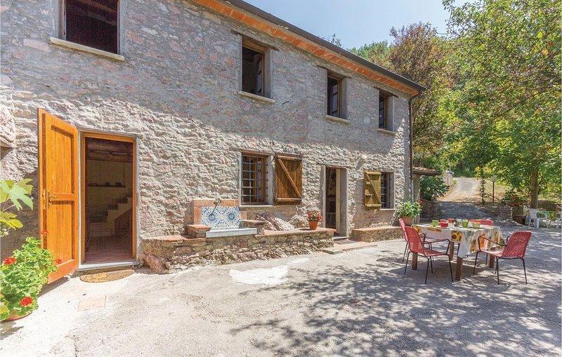 2 Zimmer Unterkunft in Camaiore LU, holiday rental in Stazzema