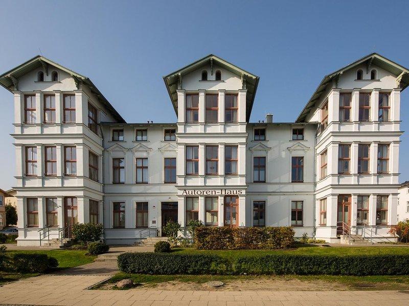 Autorenhaus Wohnung 12 'Rainer Maria Rilke', holiday rental in Seebad Ahlbeck