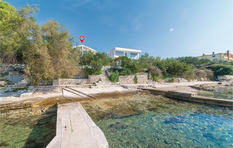2 Zimmer Unterkunft in Kozino, vacation rental in Kozino