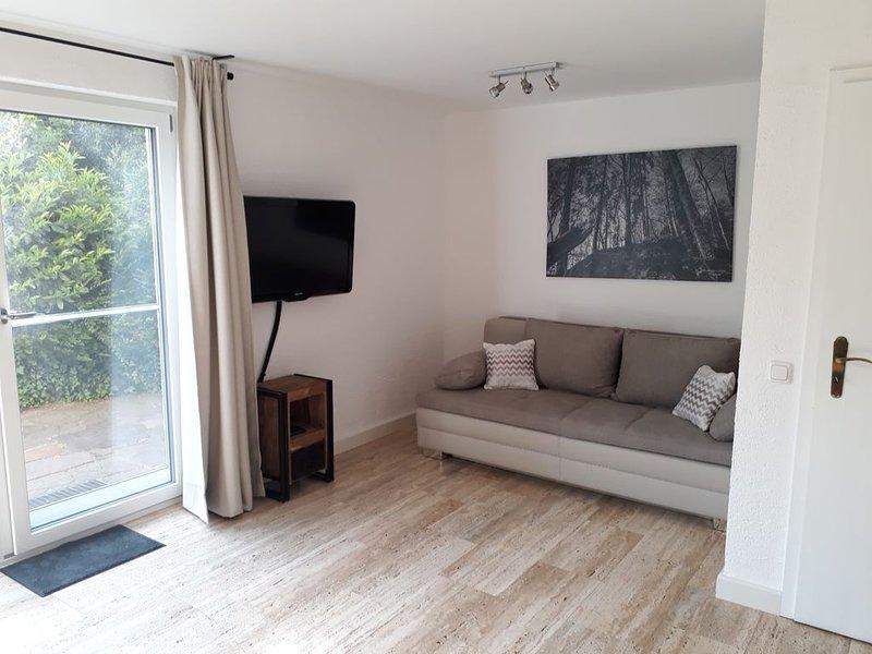 Ferienwohnung 60 qm im Untergeschoss/Hanglage mit 1 Schlafzimmer und Terrasse, location de vacances à Trostberg an der Alz