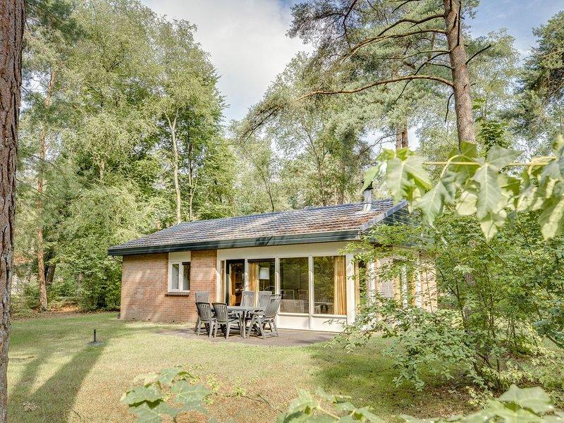 6-Personen-Ferienhaus im Ferienpark Landal Heideheuvel - In waldreicher Umgebung, holiday rental in Klarenbeek