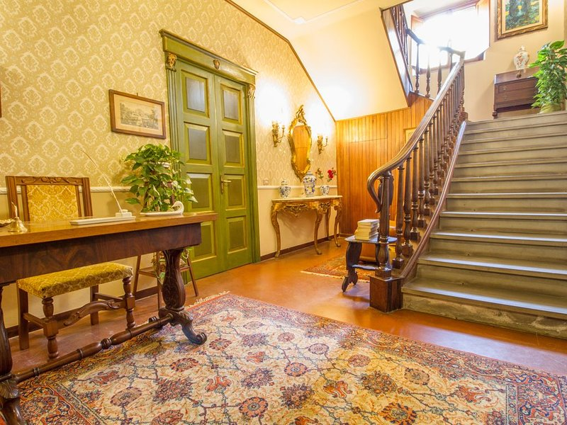 B&B Palazzi a Castello, in zona Ville Medicee a Firenze, holiday rental in Trespiano