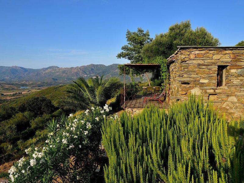 Une authentique bergerie  de charme en Corse avec vue  mer., location de vacances à Castello-di-Rostino