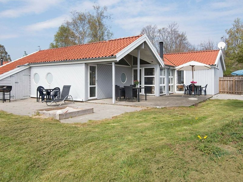 Picturesque Holiday Home in Ebeltoft with Sauna, vacation rental in Southdjurs Municipality