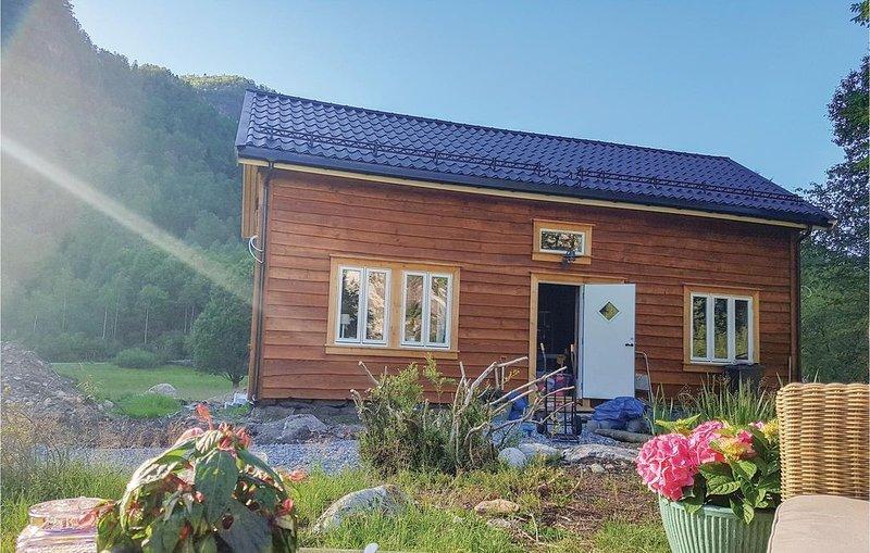3 Zimmer Unterkunft in Vikanes, holiday rental in Eikangervag