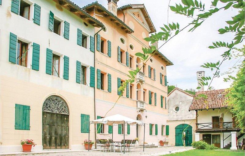 2 Zimmer Unterkunft in Santa Giustina (BL), holiday rental in Santa Giustina