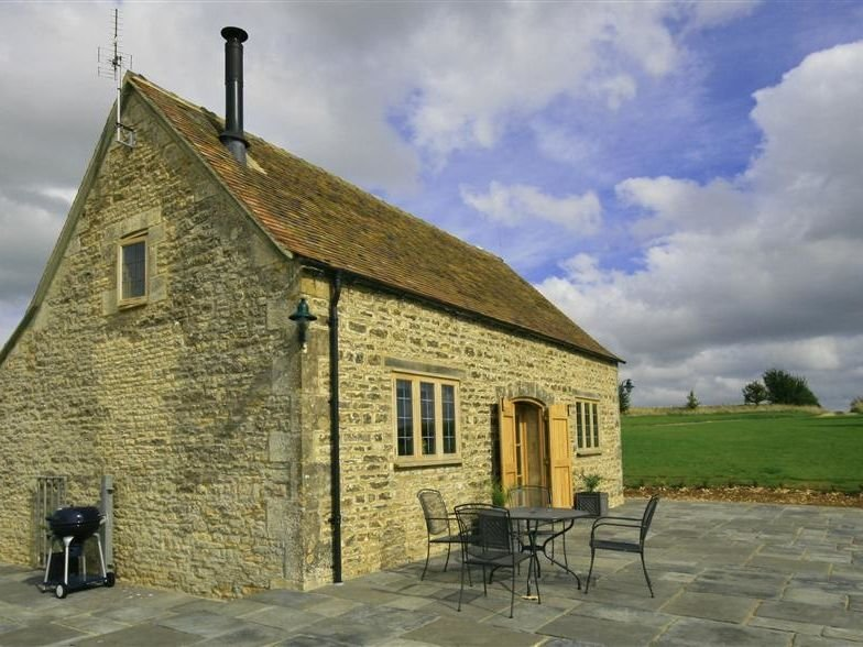 Calcot Peak Barn, NORTHLEACH, holiday rental in Cirencester