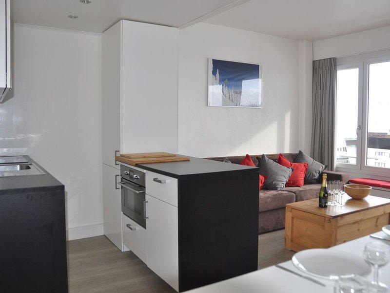 Pied des Pistes! Bel appartement complètement rénové, exposition Sud, WIFI, holiday rental in Tignes