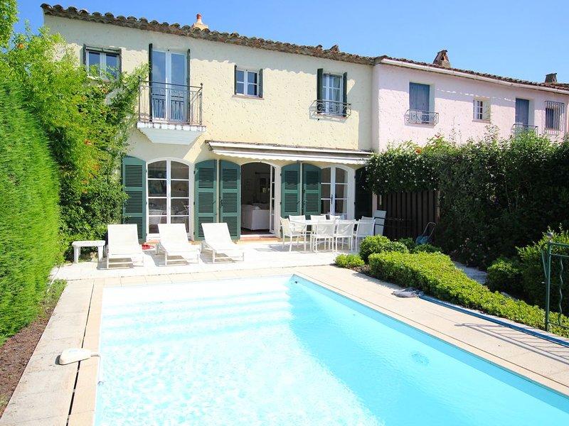 Grande maison avec climatisation, WIFI, piscine et amarrage, vacation rental in Port Grimaud