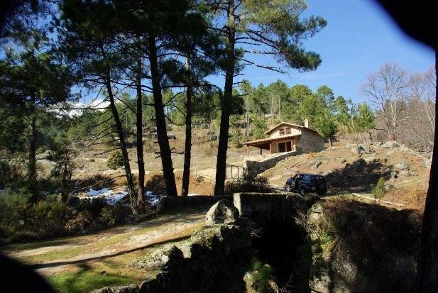 Casa Rural El Joyuelo para 4 personas, location de vacances à Mombeltran