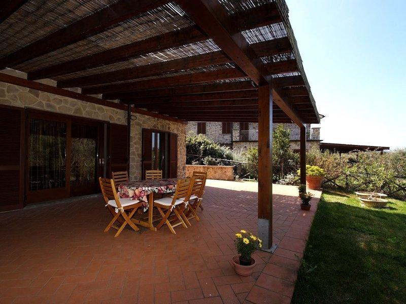 OFFERTA ESTATE 2020 Elegante villa bifamiliare nel verde di Punta Ala, holiday rental in Punta Ala
