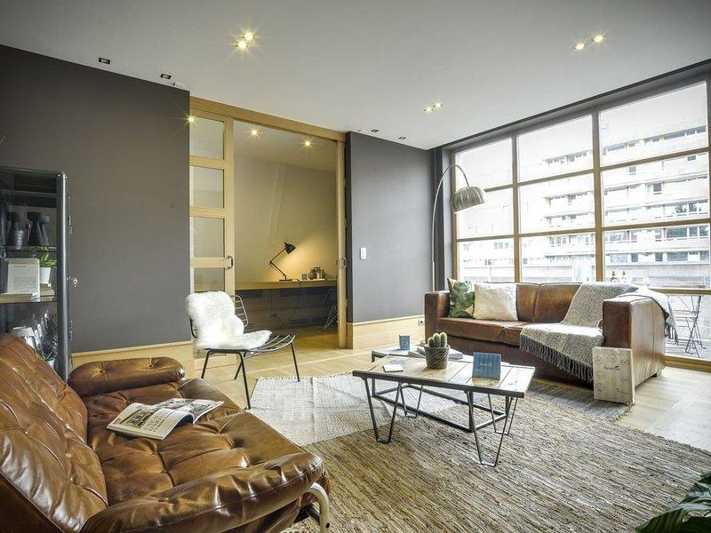 Couronne II - Trois Chambres Appartement, Couchages 6, alquiler de vacaciones en Auderghem
