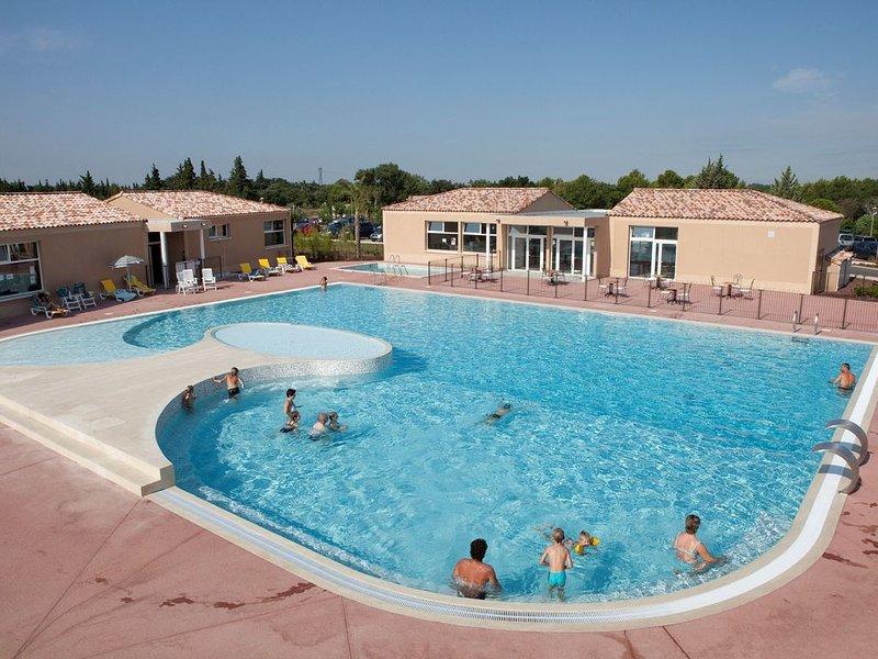 Super Endroit ! Maison avec accès Piscines, Fitness + Club Enfants, holiday rental in Aubignan