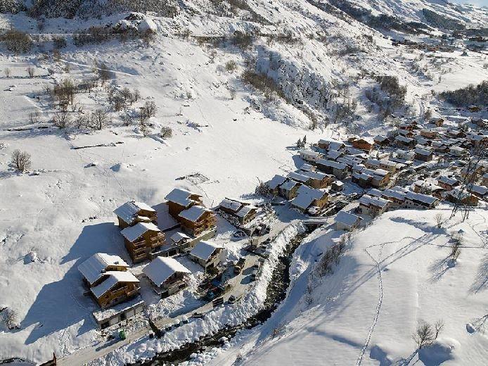 À 300m des remontées, 2ème étage, balcon, parking, casier à ski, 66m², Les Menui, vacation rental in Le Bettaix