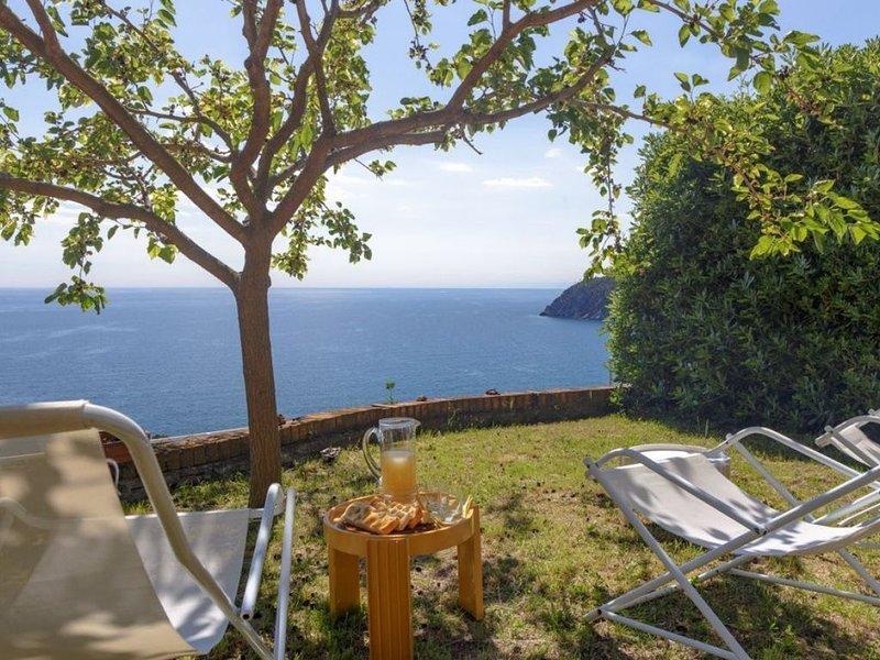 Sea View,Pool,Parking & Wifi  ( citra  010037-LT-0270), holiday rental in Deiva Marina