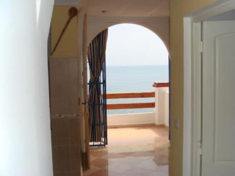 Tipaza: appartement  bord de mer les pieds dans l'eau, holiday rental in Tipasa