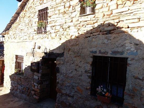 Casa rural (alquiler íntegro) Los Robles para 4 personas, holiday rental in Valverde de los Arroyos