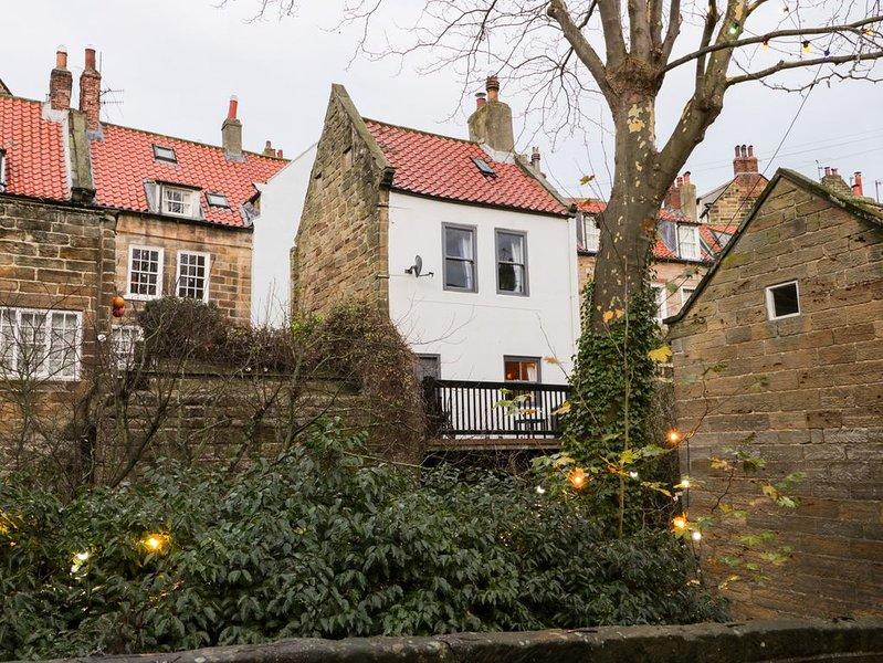 Roseberry Cottage, ROBIN HOOD'S BAY, holiday rental in Ravenscar