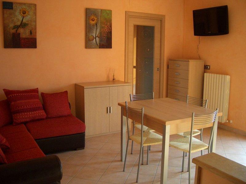 Appartamento moderno e confortevole per una vacanza al mare di classe, holiday rental in Campomarino
