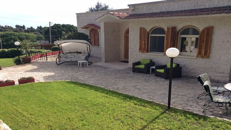 Stunning 3 Bedroom Detached Villa With A One Bedroom Annex and Private Pool, holiday rental in Selva