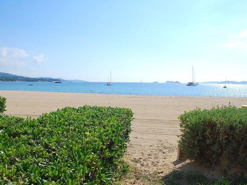 Appartement 2 pièces avec terrasse sur la plage, holiday rental in Port Grimaud
