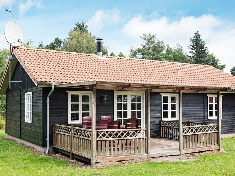 Magnificent Holiday Home in Rødby with Whirlpool, location de vacances à South Zealand