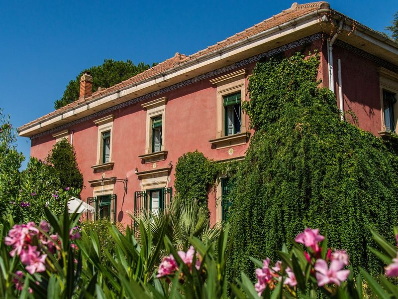 Affascinante Villa ottocentesca a Caltagirone, casa vacanza a Caltagirone