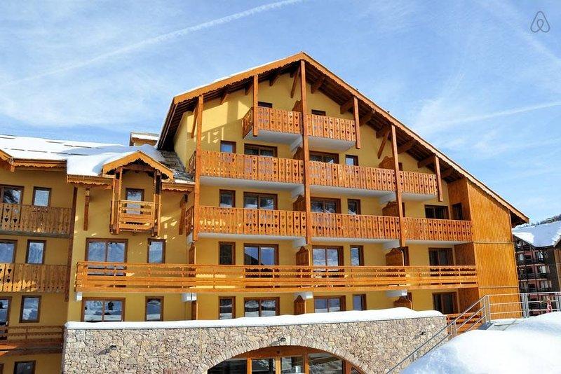 1Studio 4* - Piscine - Sauna - Wifi - 28m² - Super équipé - Pied des pistes, holiday rental in Risoul
