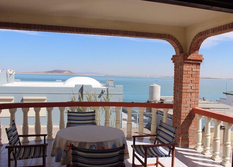 *Premier Host* Casa Beazley Charming 2 BR Beach View Home Cholla Bay, holiday rental in La Choya